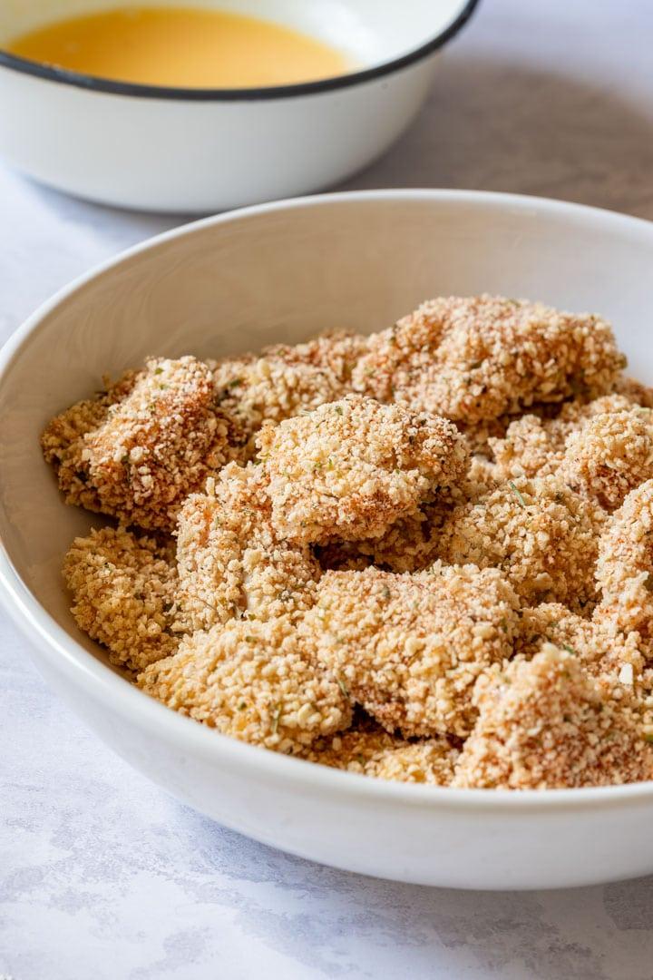 Breaded popcorn chicken pieces
