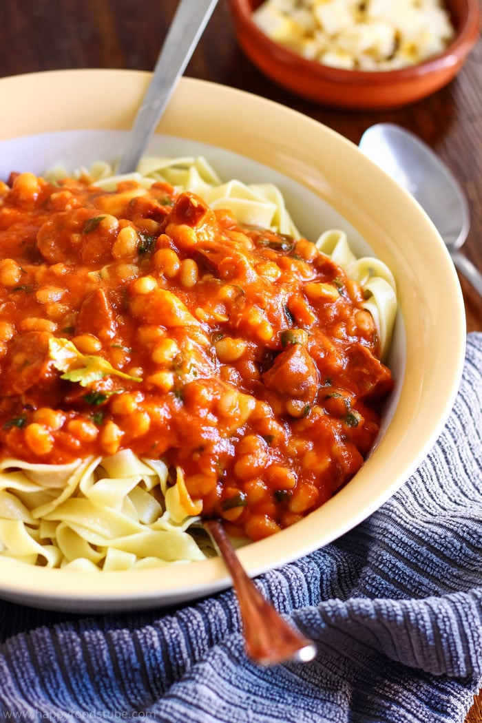 10-minute baked bean pasta sauce for busy families. Make this pasta sauce for your weeknight supper and it will be a hit!