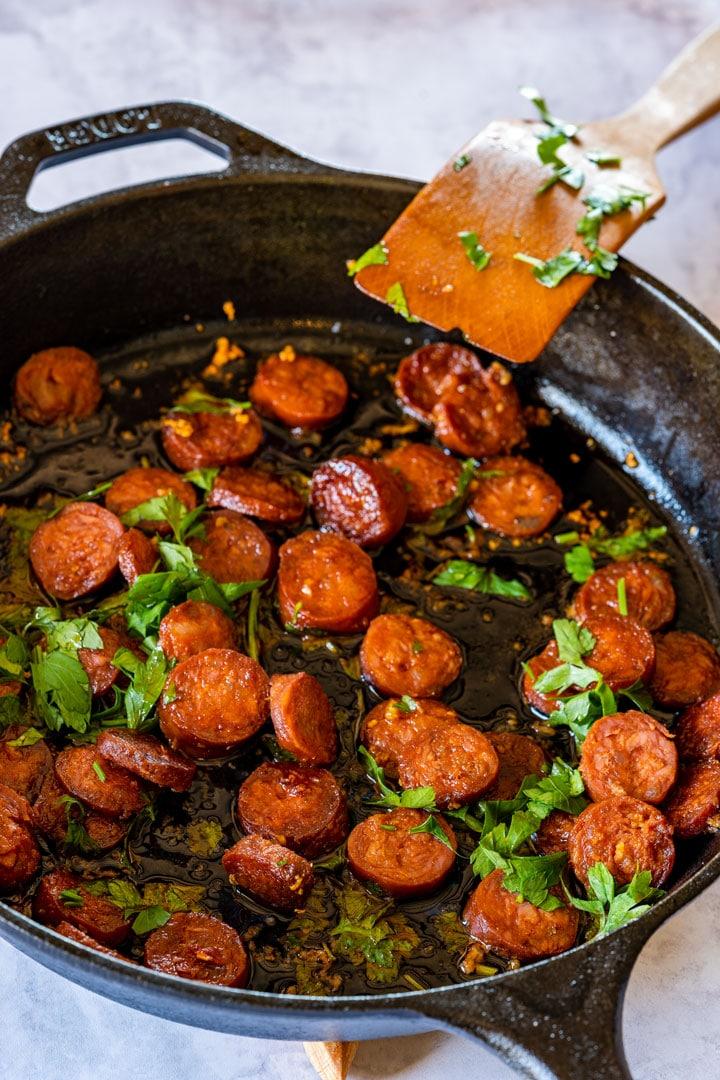 Frying chorizo on the skillet