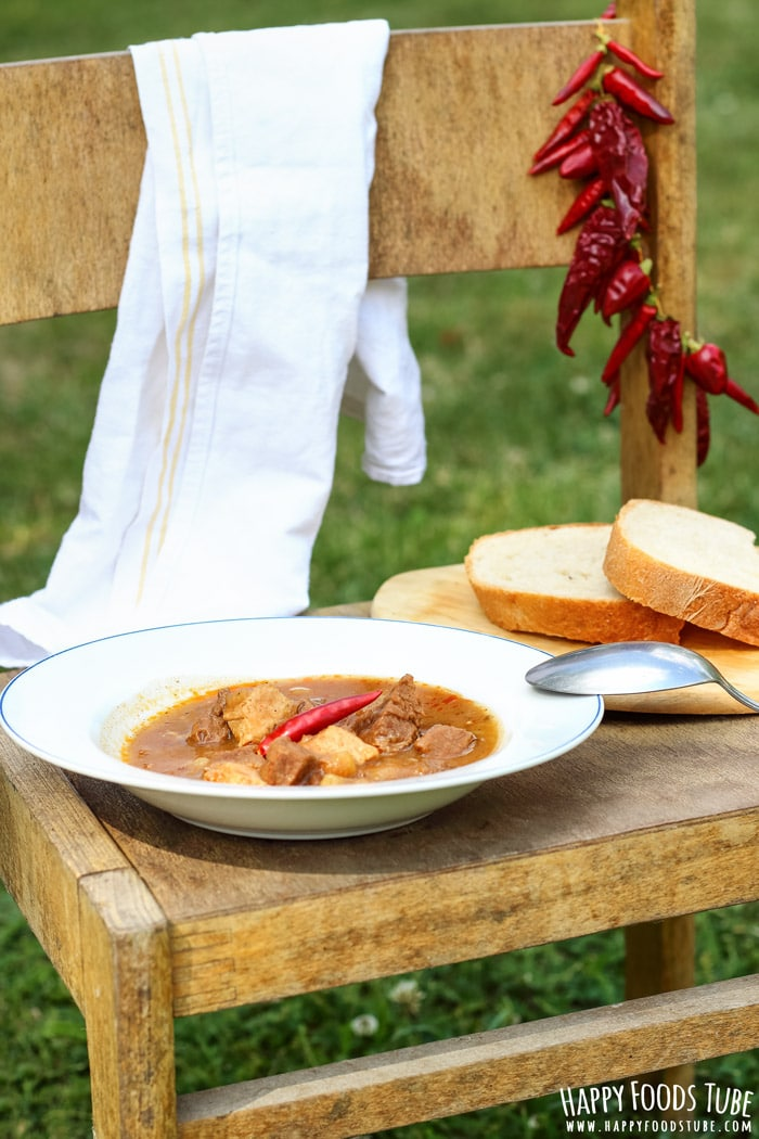 Simple Campfire Stew with Bread