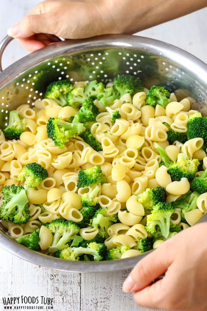 How to make Broccoli Tomato Pasta Salad Picture