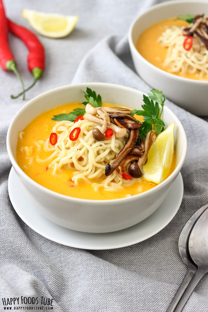 Spicy Thai Pumpkin Soup with Ramen Noodles - Happy Foods Tube