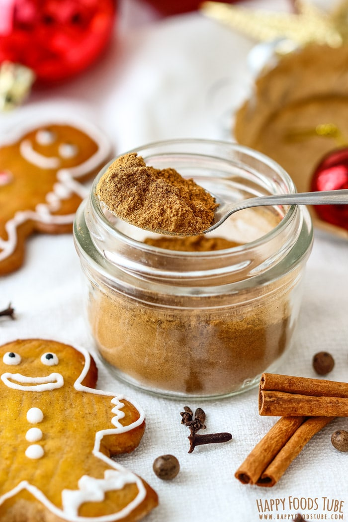 Homemade Gingerbread Spice Mix Pic