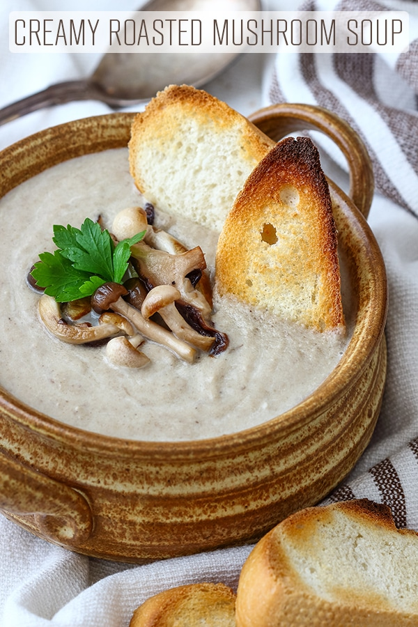 Simple ingredients and 35 minutes is all it takes to make this Creamy Roasted Mushroom Soup. Rich in flavor, comforting and warming this mushroom soup is a must try this winter. #happyfoodstube #creamy #mushroom #soup #recipe #mushroomsoup #food #vegetarian #homemade #best #easy #fromscratch