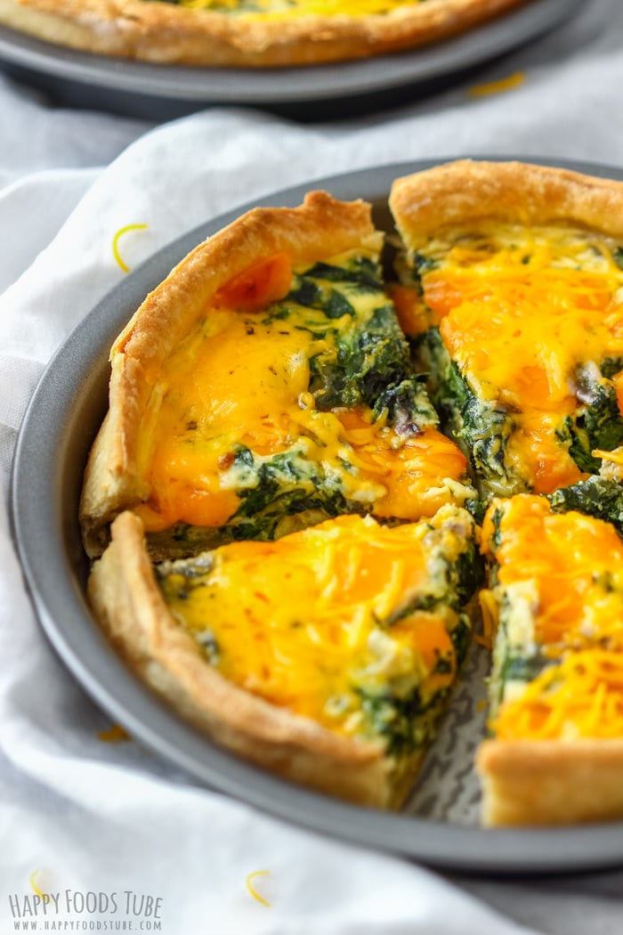 Sliced Spinach and Cheddar Quiche