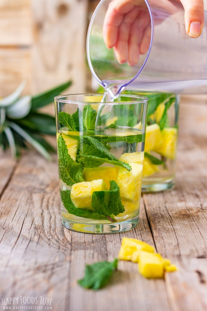 How to make Pineapple Infused Water
