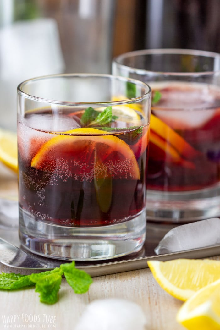 Red wine and coca cola Calimocho drinks