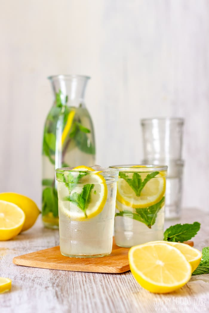 Refreshing Mint Lemonade with Lemon