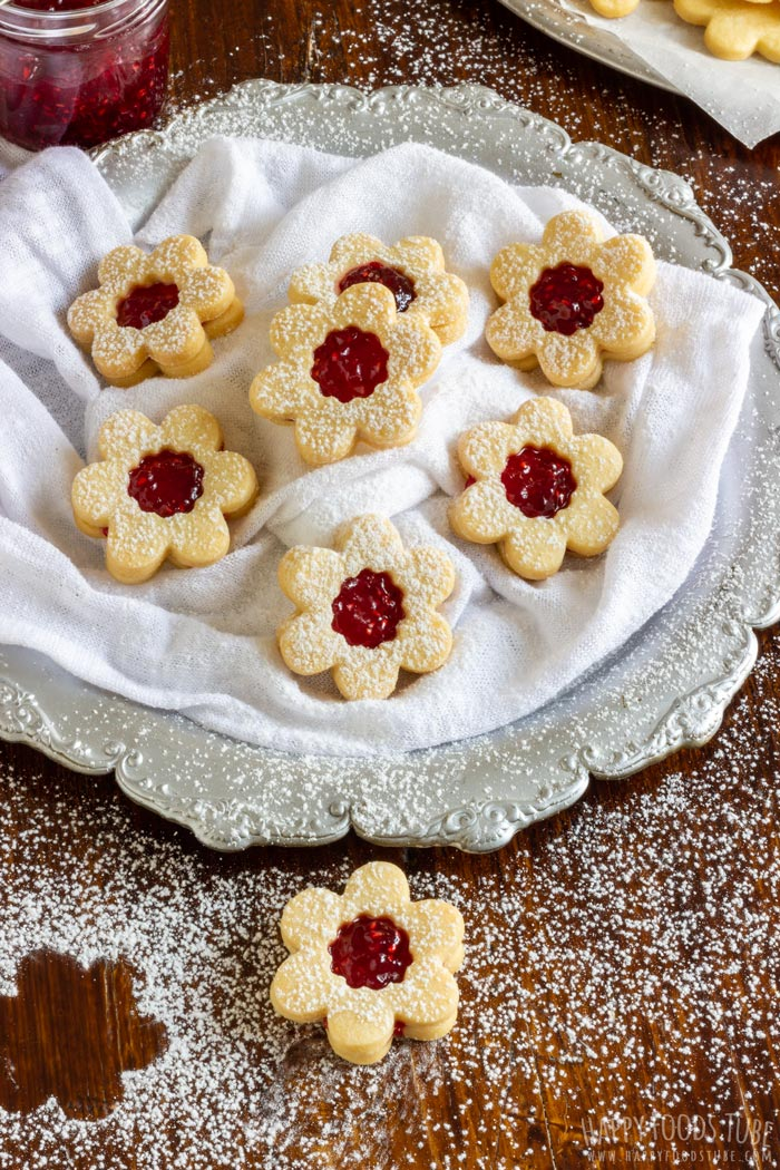Homemade Buttery Linzer Cookies