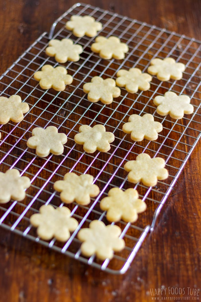 How to make Linzer Cookies at Home Step 4