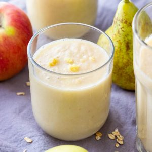 Homemade Apple Pear Ginger Smoothie