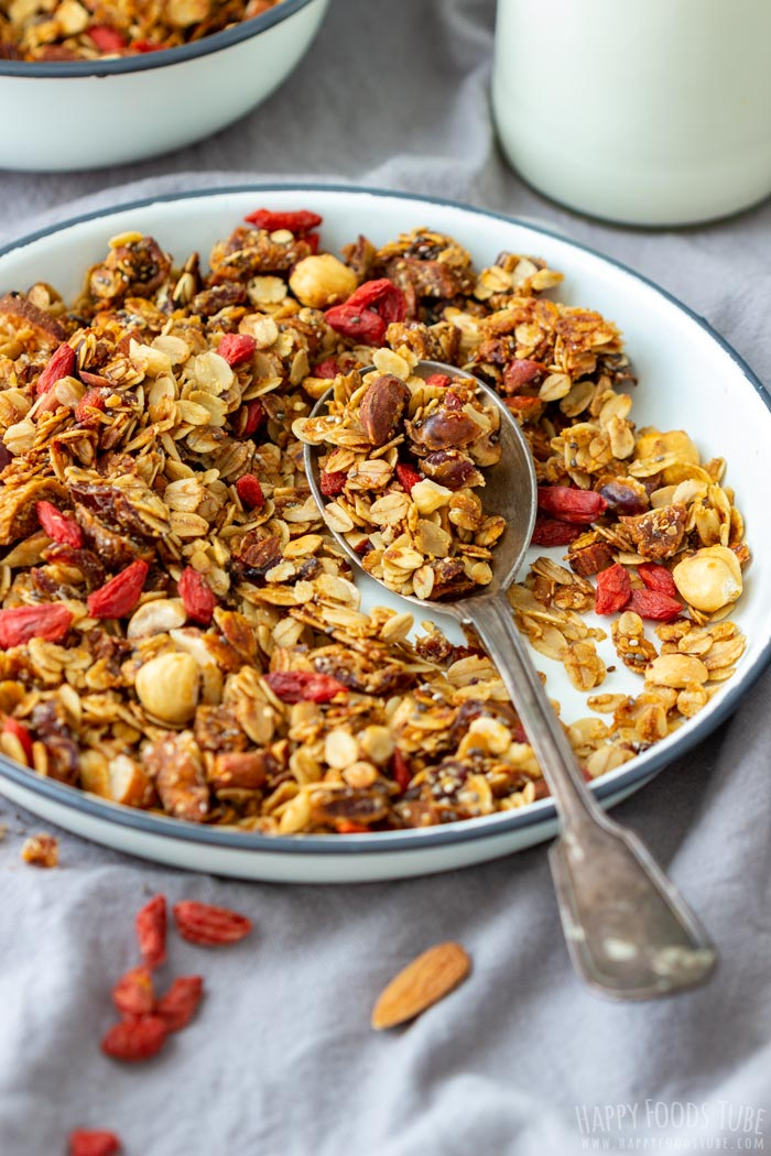 Super Healthy Homemade Granola for Breakfast