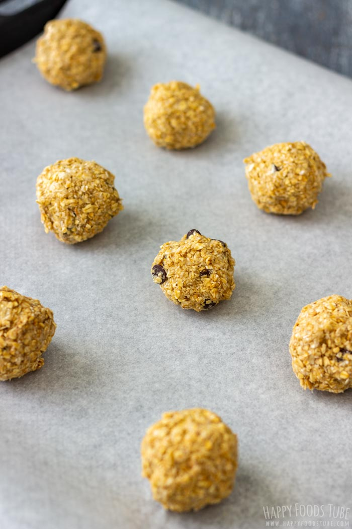 How to make Flourless Chocolate Chip Oatmeal Cookies Step 3