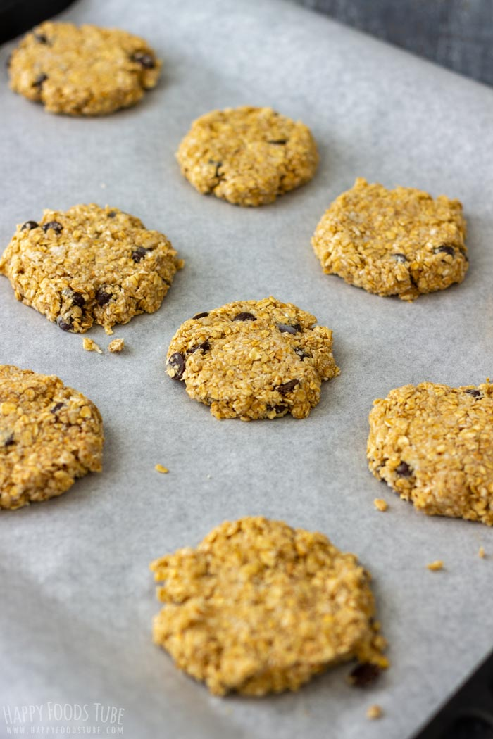 How to make Flourless Chocolate Chip Oatmeal Cookies Step 4