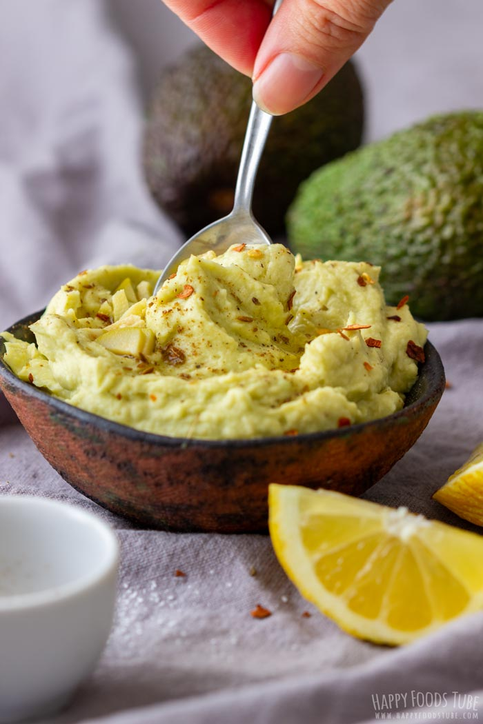 Homemade Avocado Hummus