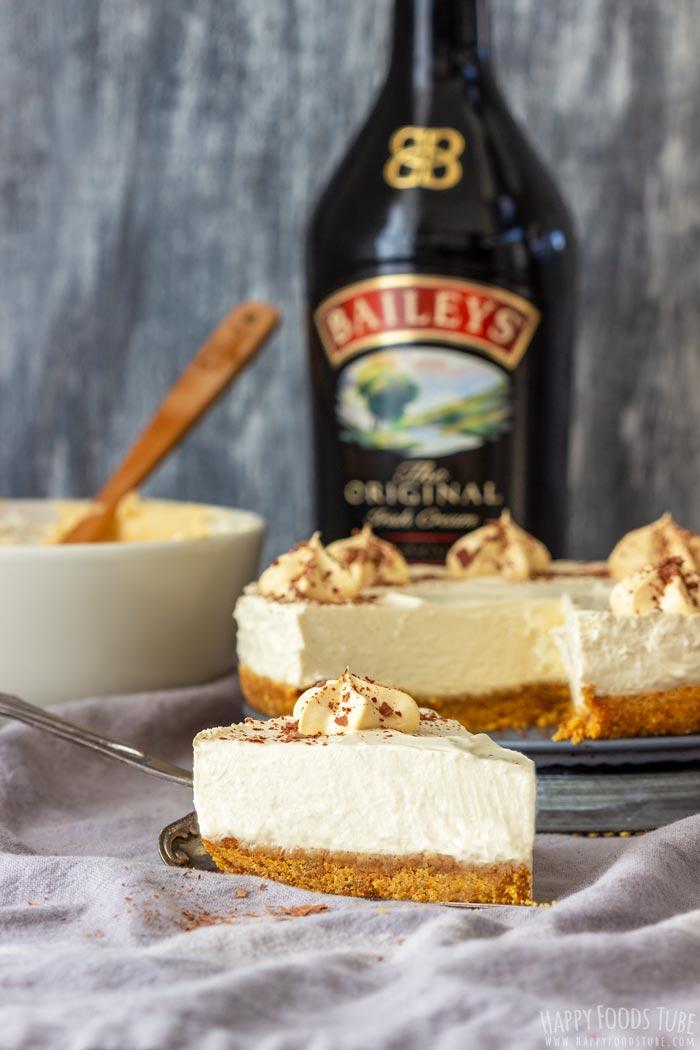 No Bake Irish Cream Cheesecake Slice