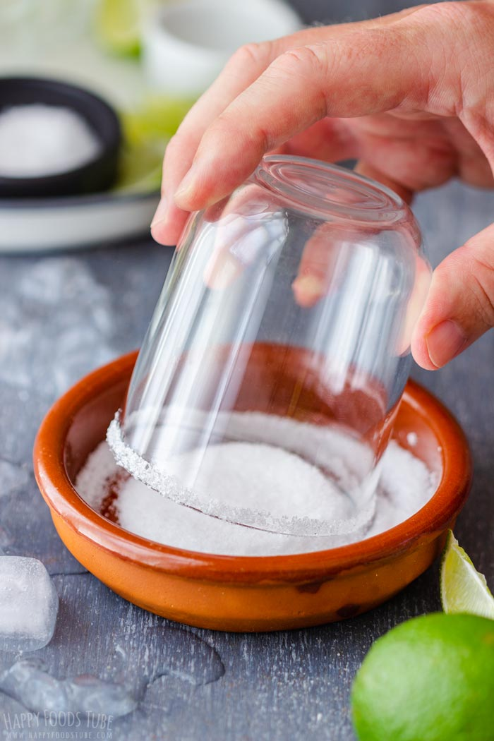 How to do Perfect Salt Rim for Margarita Glass