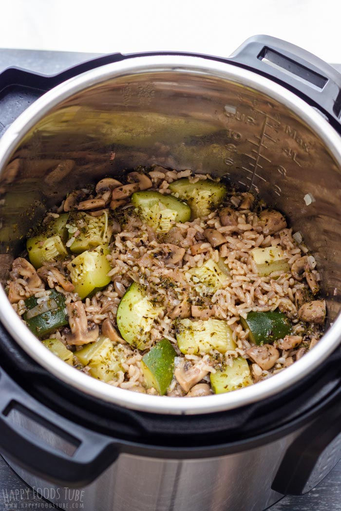 How to make Instant Pot Zucchini Mushroom Risotto Step 4