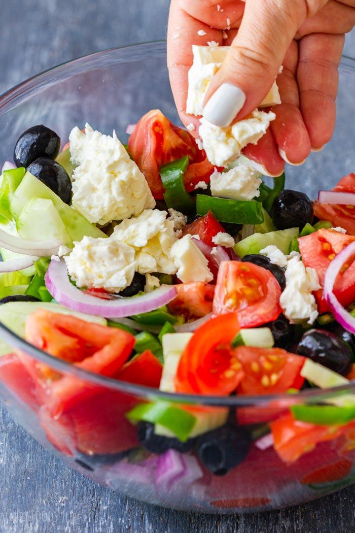 Steps How to Make Greek Salad 1