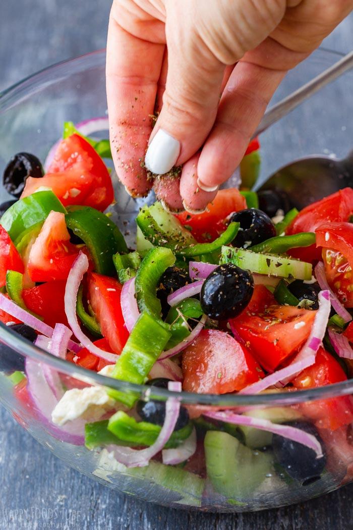 Steps How to Make Greek Salad 2