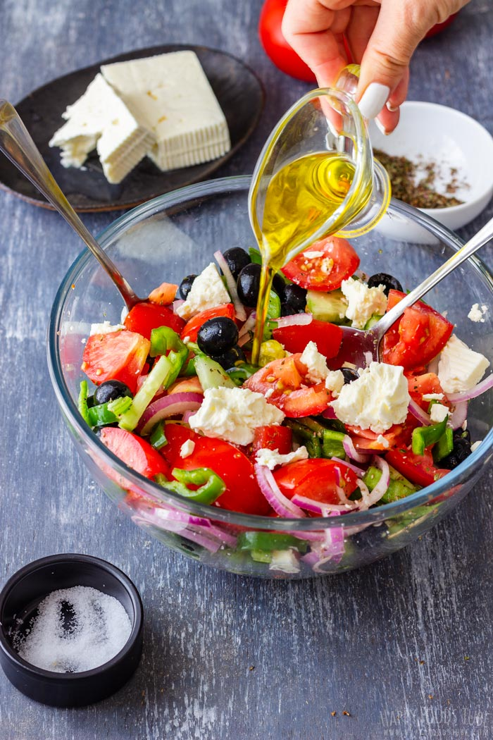 Steps How to Make Greek Salad 3