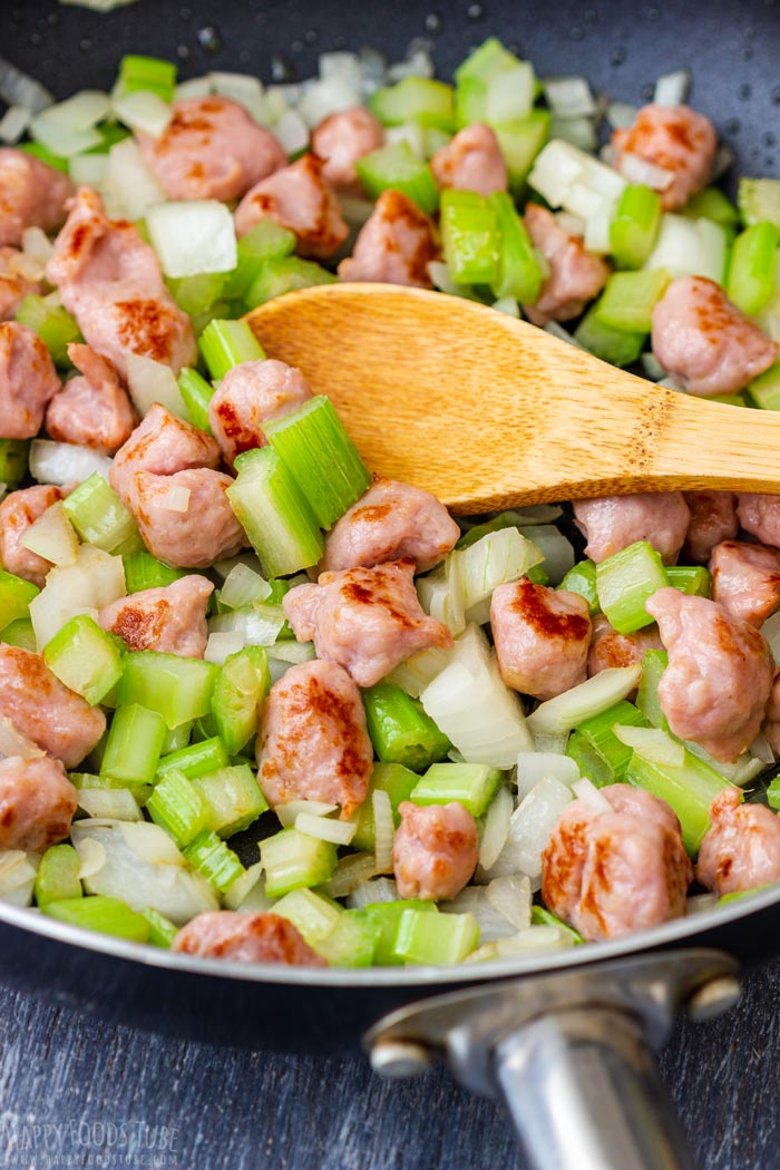 How to make Sausage and Apple Stuffing Step 1