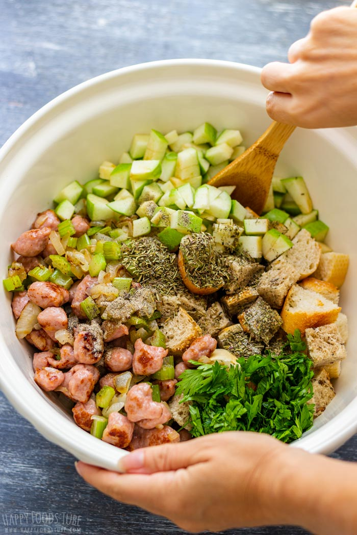 How to make Sausage and Apple Stuffing Step 2