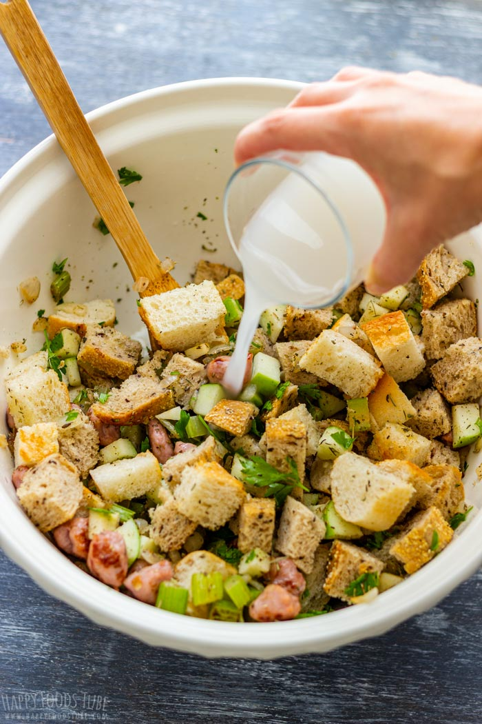 How to make Sausage and Apple Stuffing Step 3