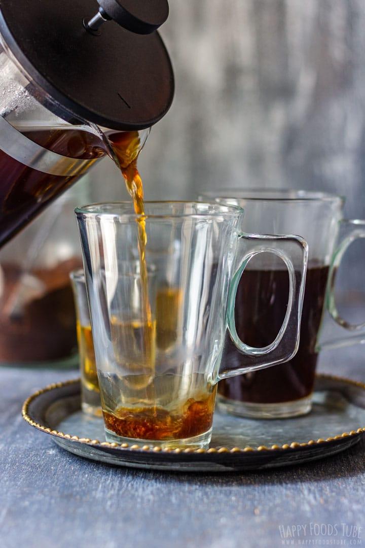 How to make Irish Coffee Step 3 - Pouring Coffee