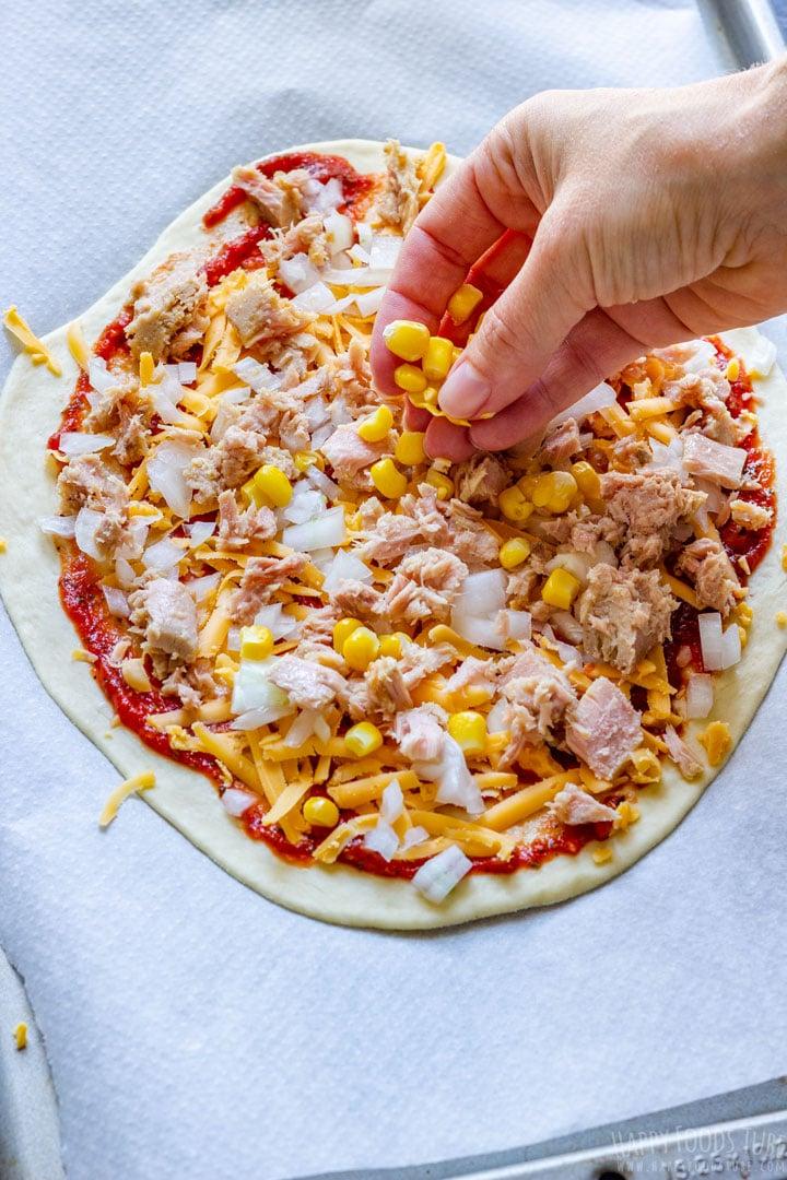 How to make Tuna Pizza Step 2