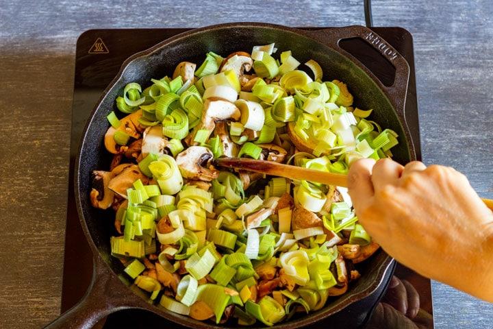 Making chicken and mushroom pie 1